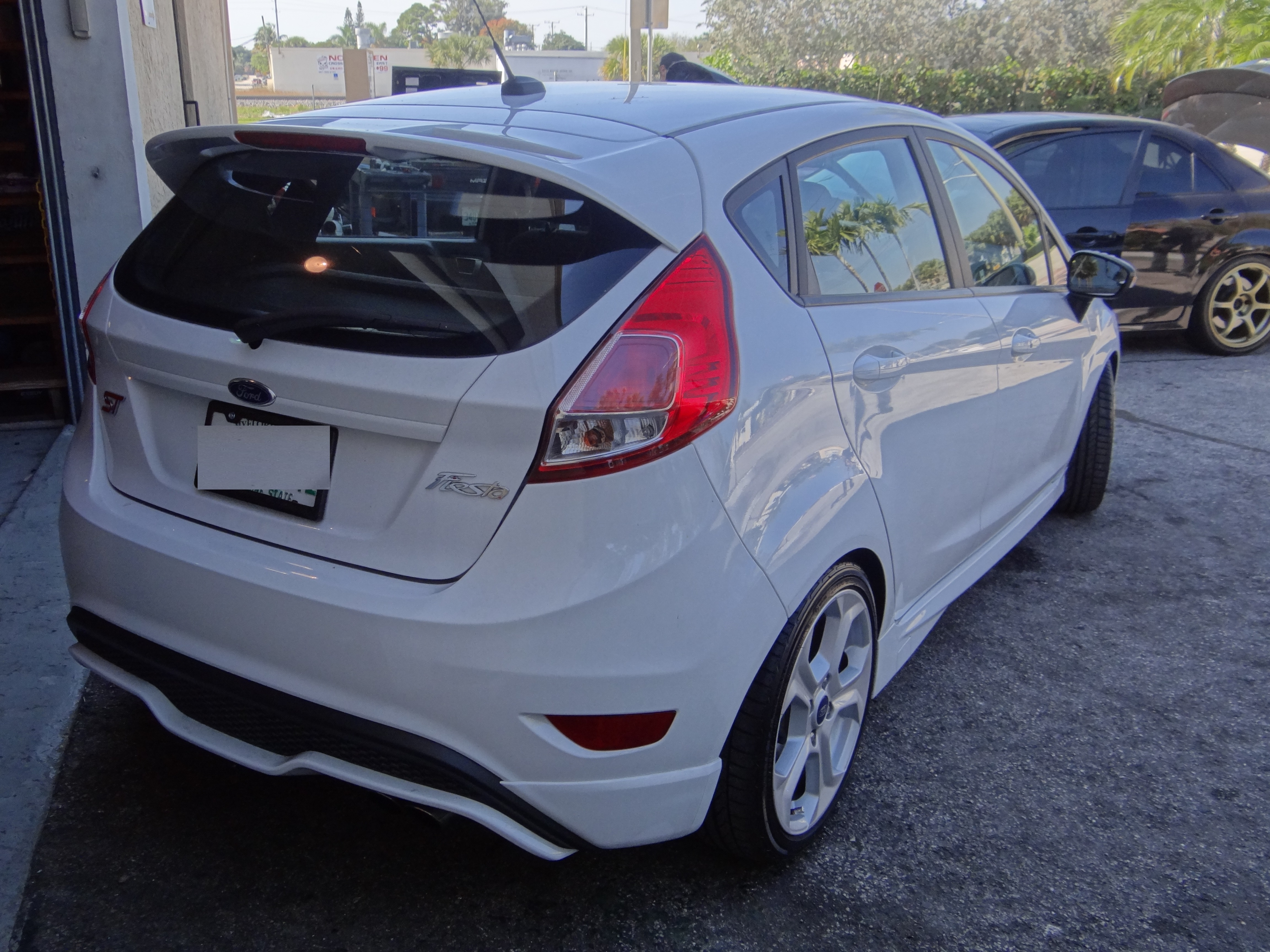 ford fiesta st stance with 15mm h amp r trak wheel spacers   vfr auto blog