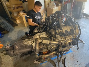 Macan engine out1